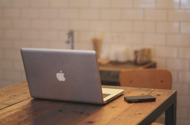 macbooktablephone 620 x 410