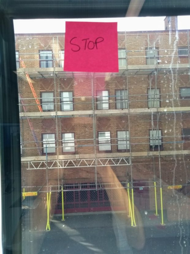 A stop post-it note